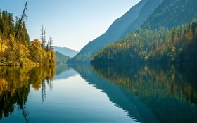 Echo Lake, Monashee Mountains, British Columbia, Kanada, Wasser Reflexion HD Hintergrundbilder